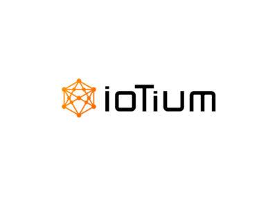 ioTium Logo Design